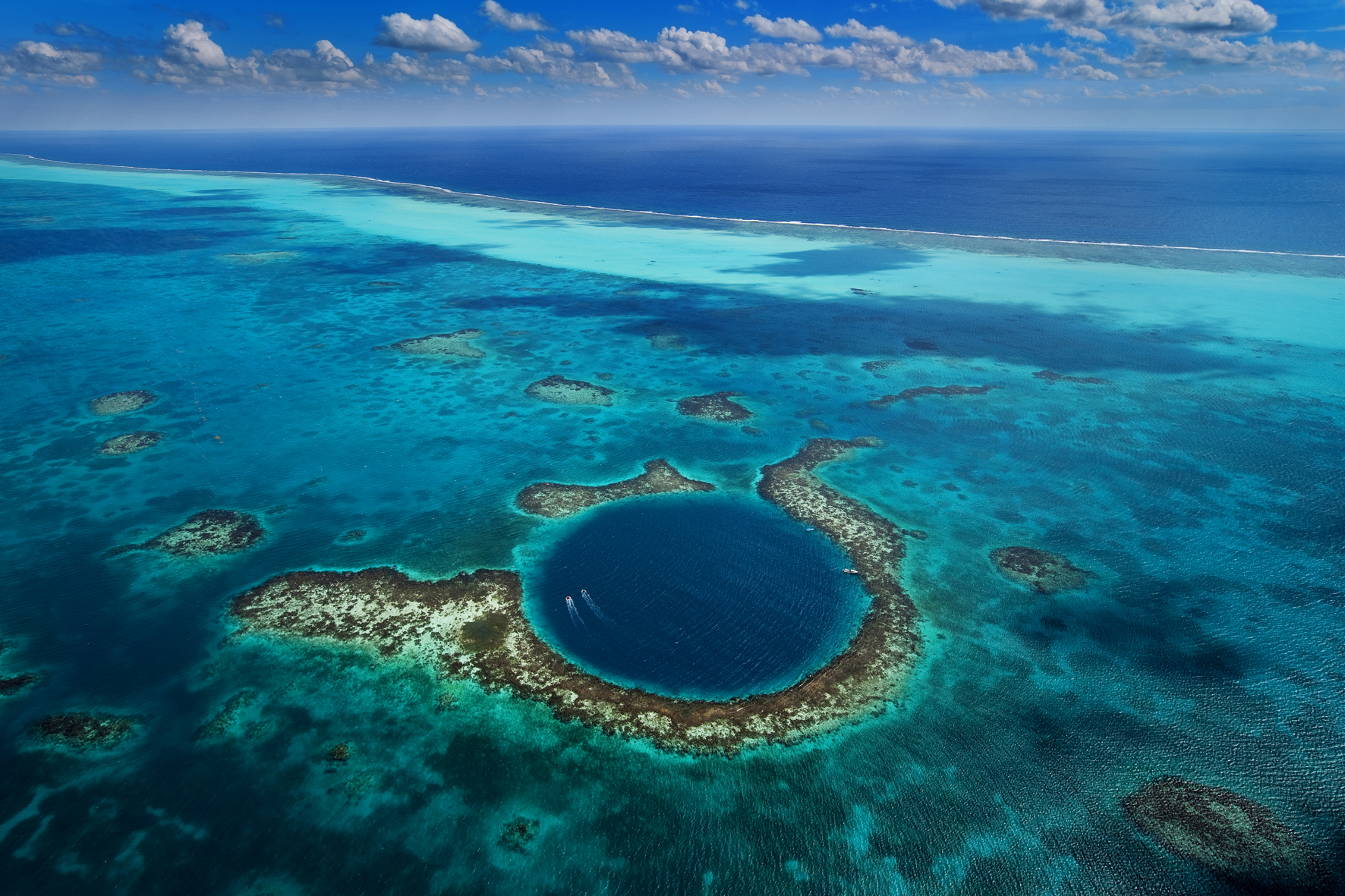 Great Blue Hole National Park, Belize http://www.visithopkinsvillagebelize.com/the-great-blue-hole.html